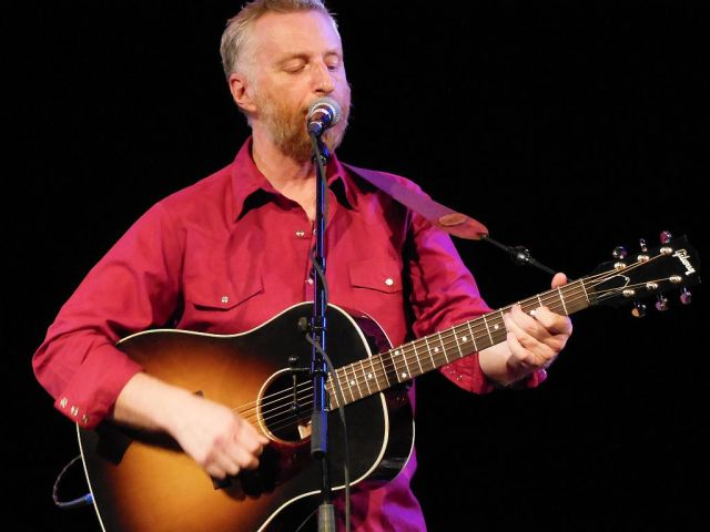 Billy Bragg ACOUSTIC - RESIZE