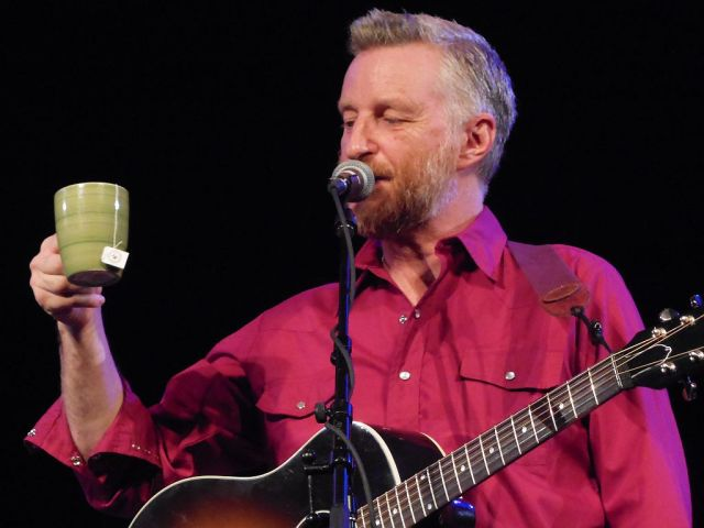Billy Bragg TEA - RESIZE
