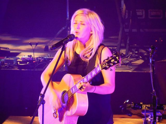 Ellie guitar - RESIZE
