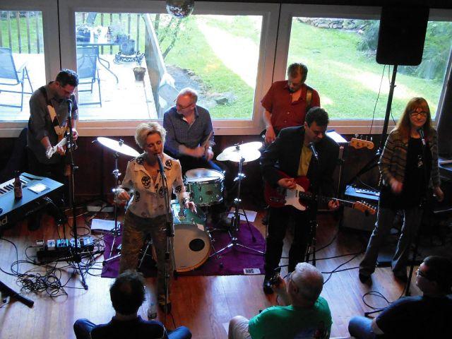 Ellen Foley - band - RESIZE