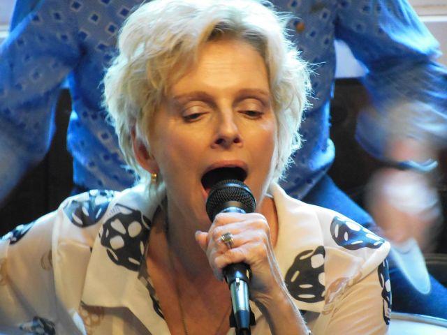 Ellen Foley  - RESIZE