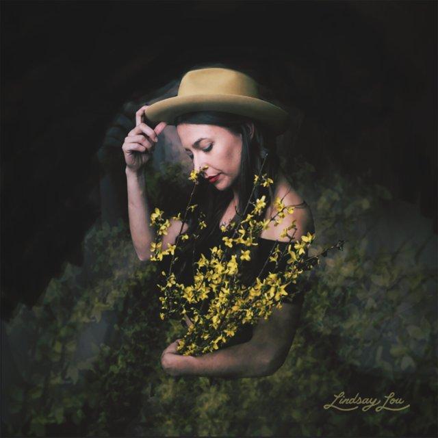 Lindsay Lou